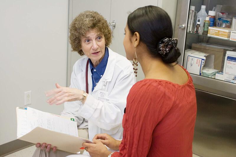 united-states-sr-rosanne-popp-woman-patient-clinic